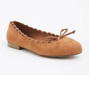 Torrid tan whip stitch flats size 9w